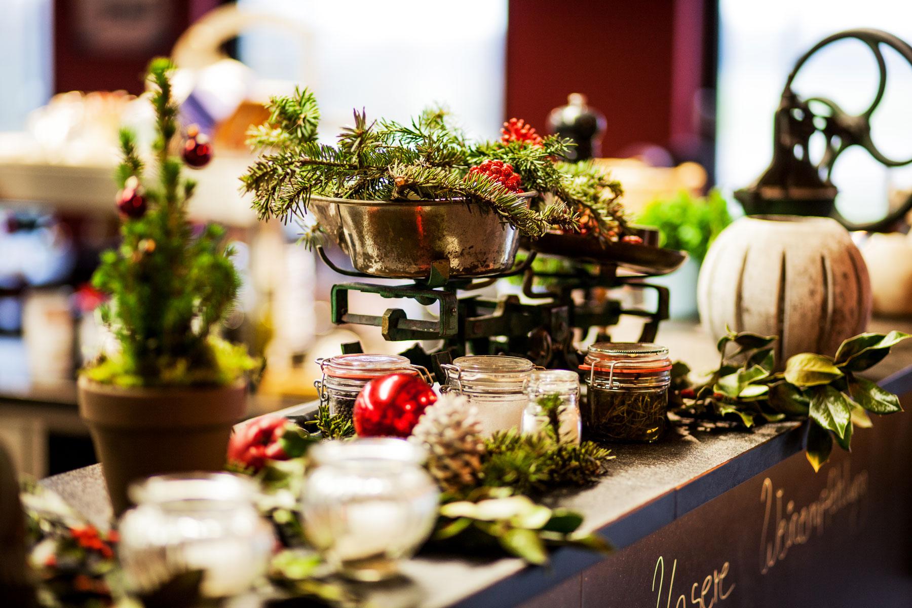 fliegerhorst-restaurant-weihnachten-dekoration-kueche ...